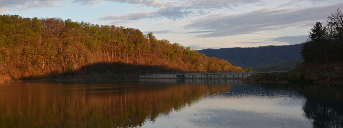 spring hollow dam early morning