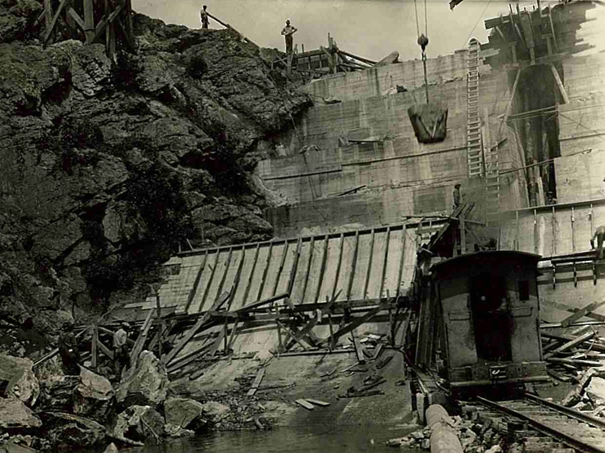 Carvins Cove Dam construction 7-26-1927