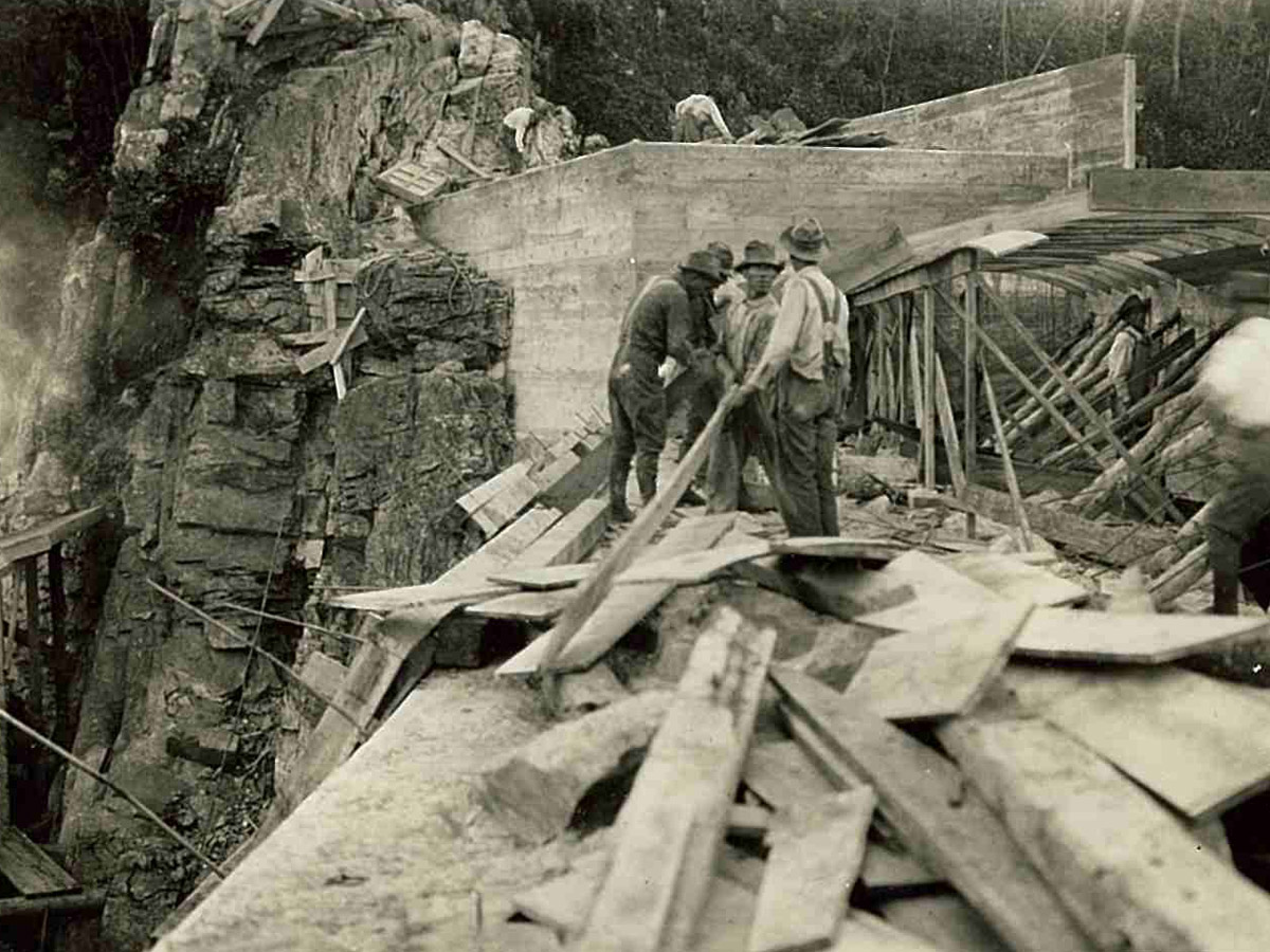 Workers on the Carvins Cove Dam 10-6-1927